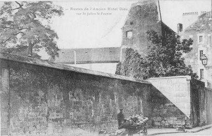 924 Eglise Saint Julien-le-pauvre. restes de l'Hôtel Dieu