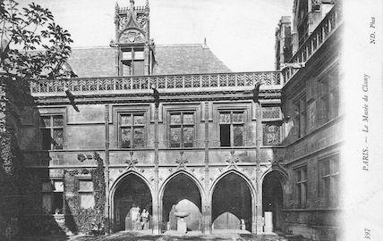 965 La cour du musée de Cluny