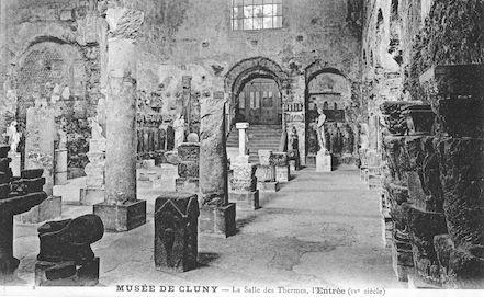 966. Le musée de Cluny. Salle des thermes. Entrée