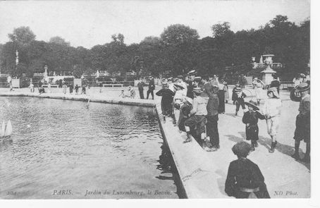 989 Jardin du Luxembourg, le Bassin