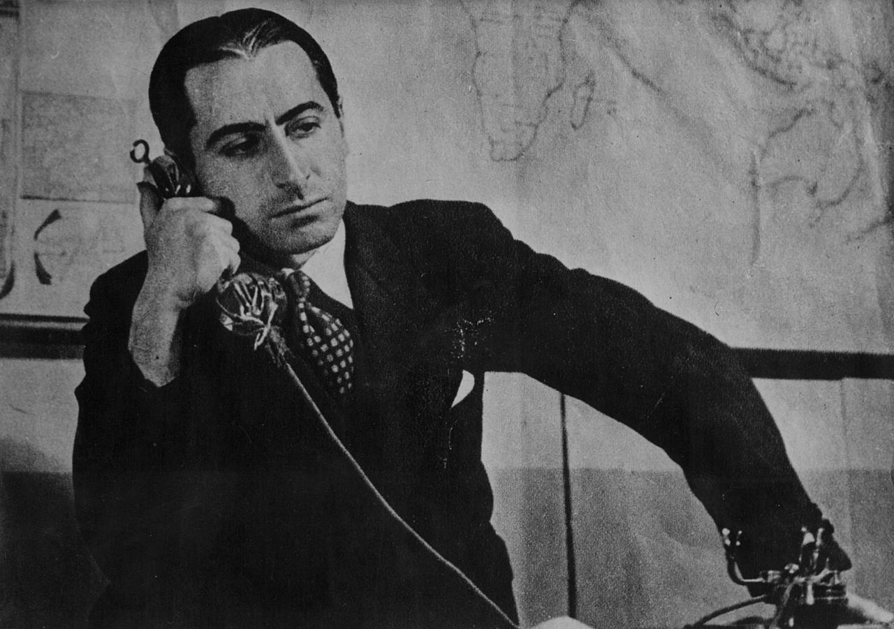 Pierre-Brossolette à la radio en 1935